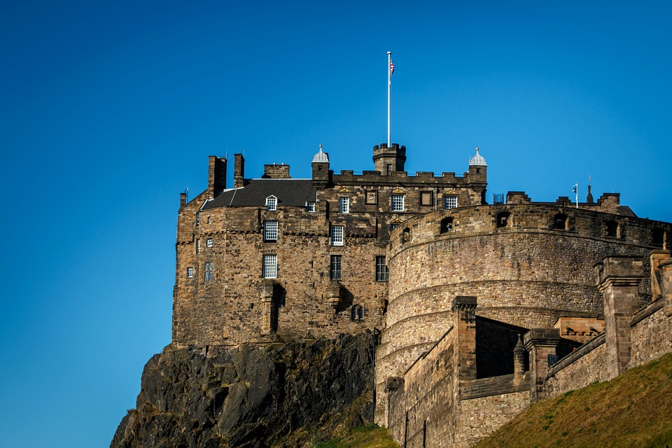 Cheap Business Class Flights From San Francisco (SFO) to Edinburgh (EDI)