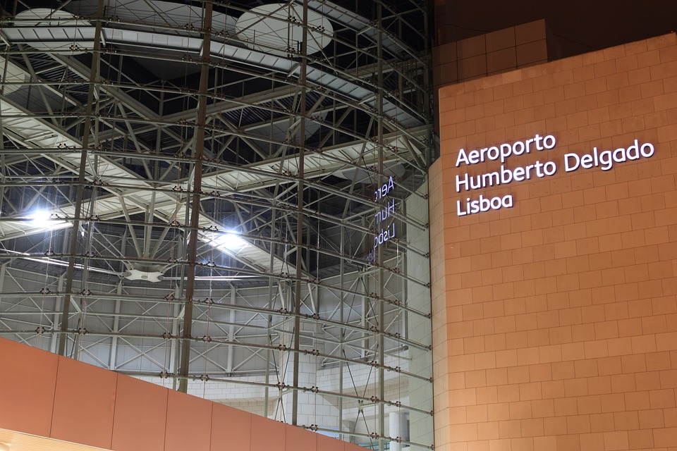 Cheap Flights To Lisbon Airport (LIS)