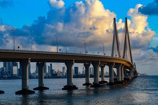 Cheap flights from San Francisco (SFO) to Mumbai (BOM)