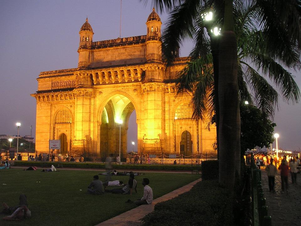 Cheap flights from Washington (IAD) to Mumbai (BOM)