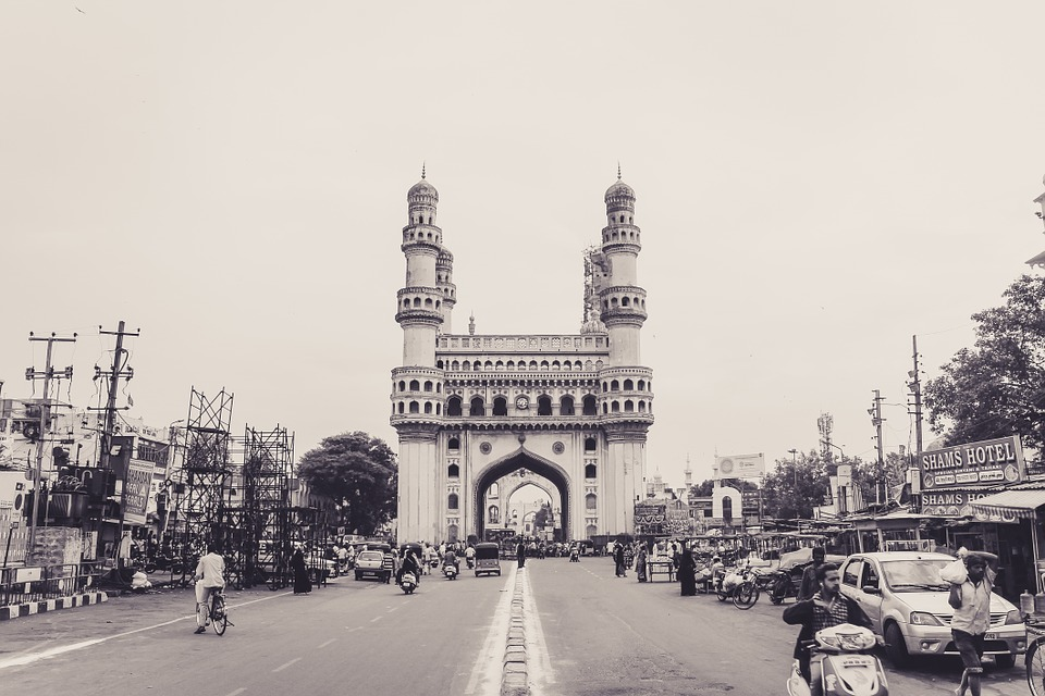 Cheap flights from Detroit (DTW) to Hyderabad (HYD)