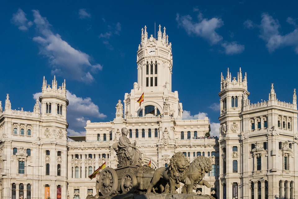Cheap Business class Flights to Madrid MAD