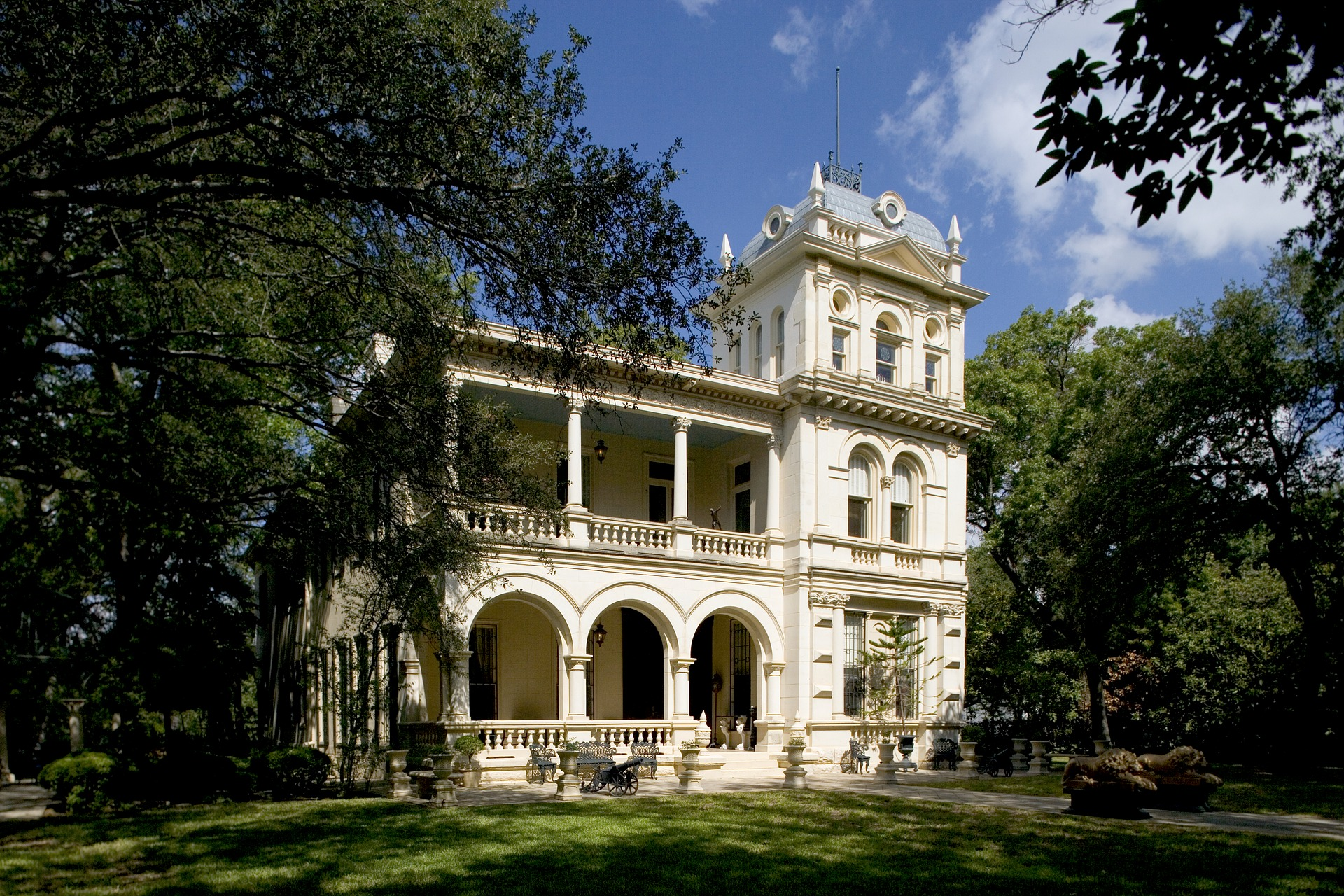 Cheap Business Class Tickets From San Antonio